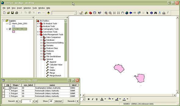 Merging shapefiles in ArcGIS